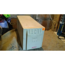 Бесперебойник ИБП APC Smart-UPS SU700INET №1