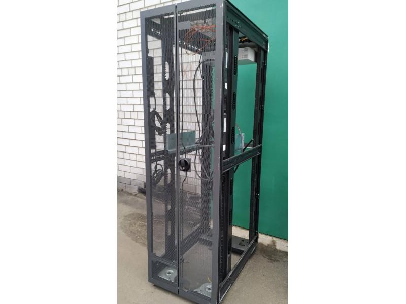Стойка серверная, шкаф HP Universal 10642G2 Rack 42U c дверью