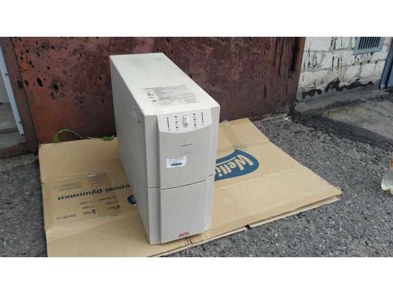 ИБП APC Smart-UPS 2200VA USB & Serial 230V (SU2200inet)
